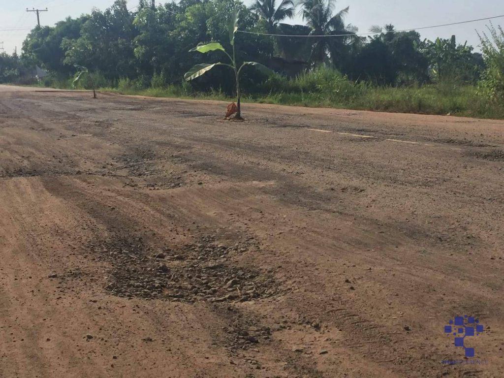 ศรีสะเกษ ชาวบ้านโพธิ์ปลื้มผู้ว่าสั่งซ่อมถนนต้นกล้วย แล้วหลังชาวบ้านร้องสุดทนถนนพัง อาสาไทยยืนยัน Thai Reference