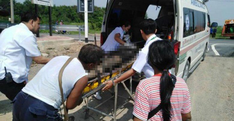 อาสาไทยยืนยัน Thai Reference อ่างทองรวบคนร้ายชิงจยย.ยิงสู้ตำรวจโดนยิงสวนบาดเจ็บสาหัสค้นพบยาบ้ายาไอซ์กัญชาอาวุธปืน