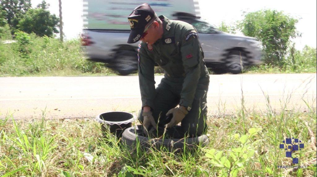 สุพรรณบุรี ชาวบ้านแทบช็อกหาช้อนลูกอ๊อดบ่อน้ำข้างทางเจอระเบิด อาสาไทยยืนยัน Thai Reference
