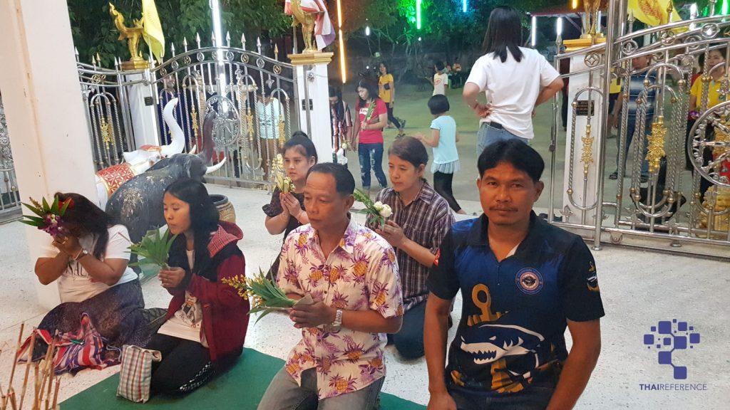 สุพรรณบุรี แห่ลอยกระทงรอบโบสถ์วัดโภคารามแห่งแรกของภาคกลางคึกคัก อาสาไทยยืนยัน Thai Reference